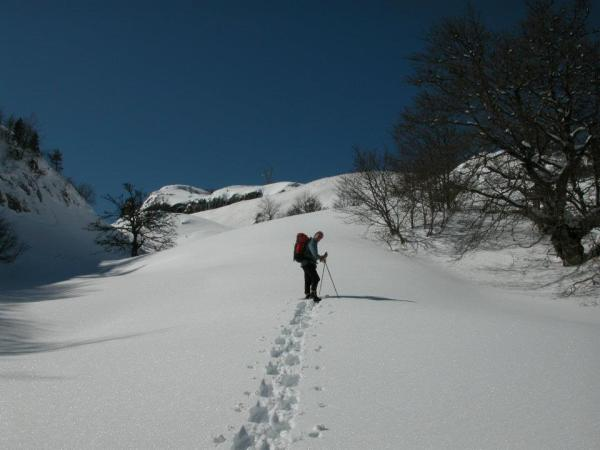 Snow shoeing in aound 2000m below Pic d'Anie